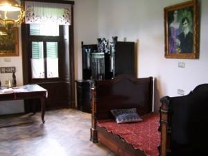 Petőfi és Szendrey hitvesi ágya a koltói múzeumban