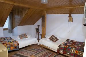 Virág Panzió- háromágyas szoba